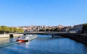 offres et forfaits fibre entreprise à Lyon et Villeurbanne